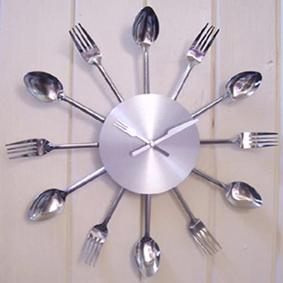 cutlery-kitchen-clock