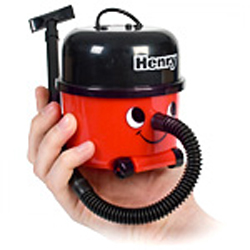 Henry Desktop Vacuum 3