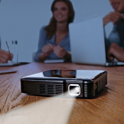 HDMI Pocket Projector 1