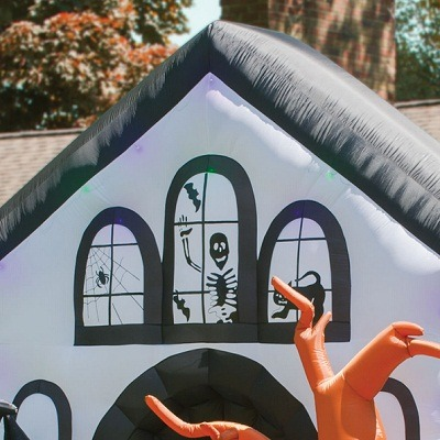 The Inflatable Howling Haunted House 1