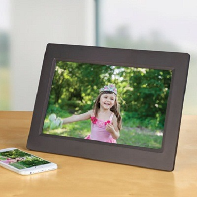 The Smartphone Image Streaming Photo Frame