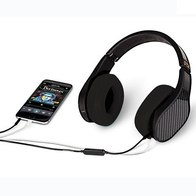The Smartphone Charging Headphones