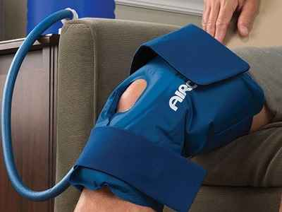 The Continuous Cold Therapy Knee Wrap 1