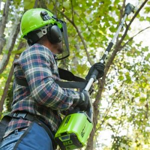 The Best Cordless Pole Saw - Now you can cut hard to reach branches effortlessly