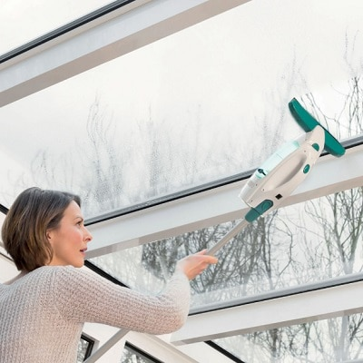 Streak-Free-Window-Washing-Vacuum-1
