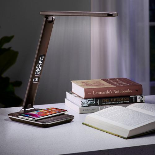 Wireless-Charging-Desk-Lamp